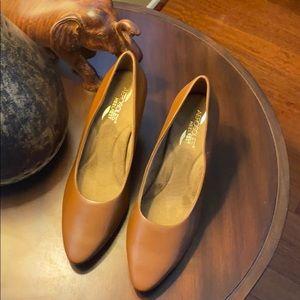 Aerosoles - Heelrest/Beautiful Dark Tan Heels. 10M